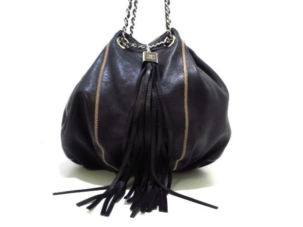 CHANEL(シャネル) ハンドバッグ - 黒×ベージュ ラムスキン×金属素材