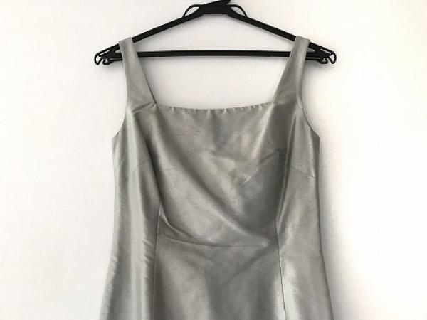 Laurel(ローレル) ドレス サイズ38 M レディース美品  シルバー シルク