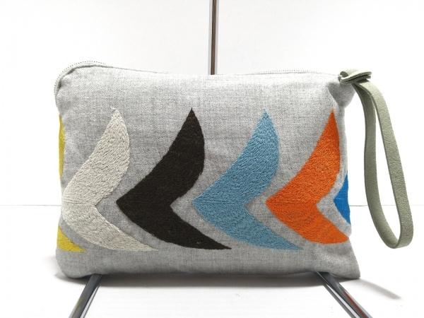 ミナペルホネン クラッチバッグ美品  ライトグレー×マルチ 刺繍 ウール
