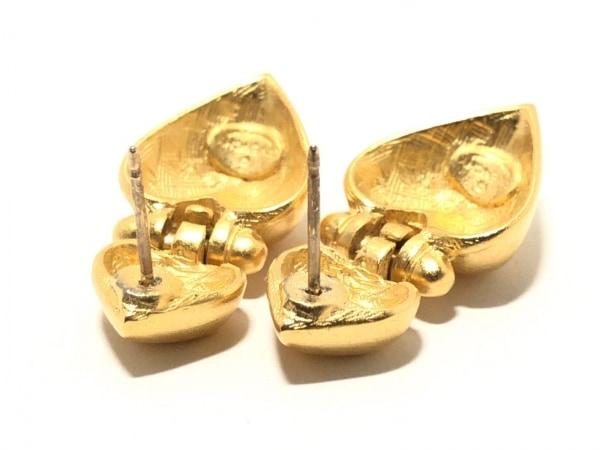 GIVENCHY(ジバンシー) ピアス 金属素材 ゴールド ハート
