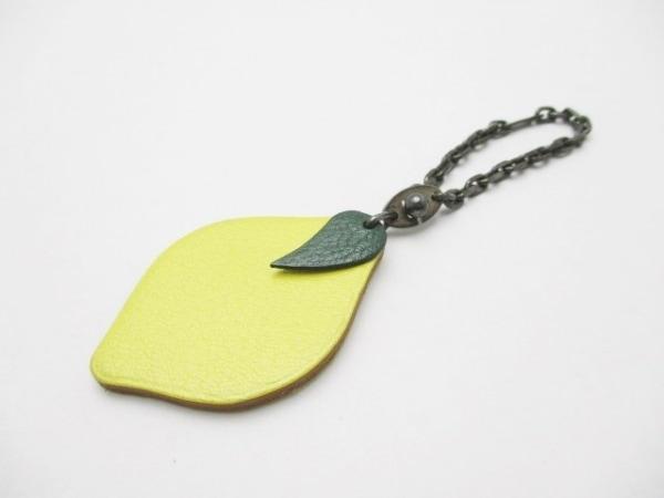 HERMES(エルメス) キーホルダー(チャーム)美品  フルーツキーホルダー レモン