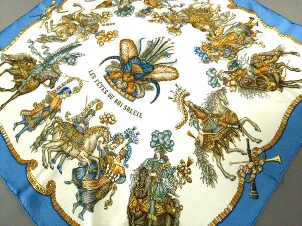 HERMES(エルメス) スカーフ美品  カレ 白×ブルー×マルチ
