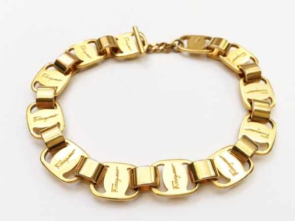 サルバトーレフェラガモ ブレスレット美品  ヴァラ 金属素材 ゴールド