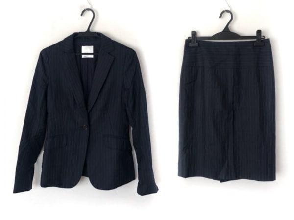 ICB(アイシービー) スカートスーツ レディース美品  ダークネイビー×白 ストライプ