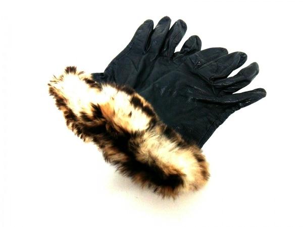 ANNA SUI(アナスイ) 手袋 レディース - 黒×ベージュ×ダークブラウン レザー×ファー