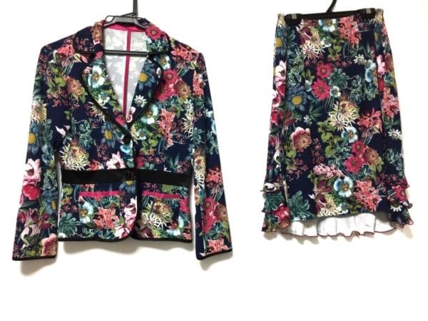レジィーナロマンティコ スカートスーツ サイズ38 M レディース 花柄