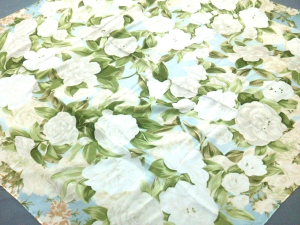 CHANEL(シャネル) スカーフ美品  ベージュ×グリーン×マルチ 花柄