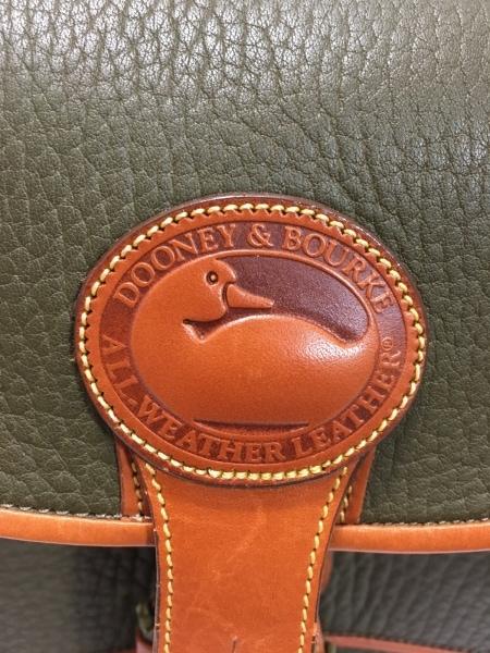 DOONEY&BOURKE(ドゥーニーアンドバーク) ハンドバッグ カーキ×ブラウン レザー