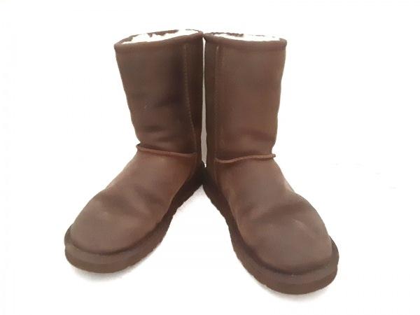 UGG(アグ) ブーツ 24.0 レディース クラシックショートレザー 1005093 ダークブラウン