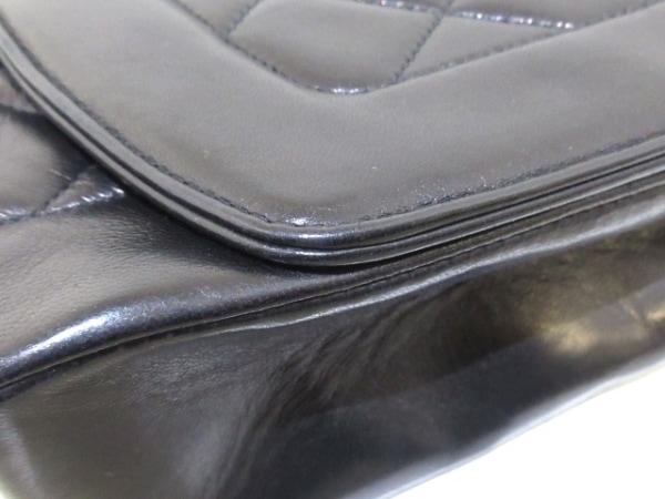 シャネル ショルダーバッグ ダイアナフラップマトラッセ A01165 黒 ラムスキン