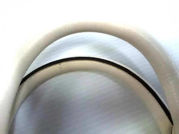 マークバイマークジェイコブス ハンドバッグ - 白 レザー 8