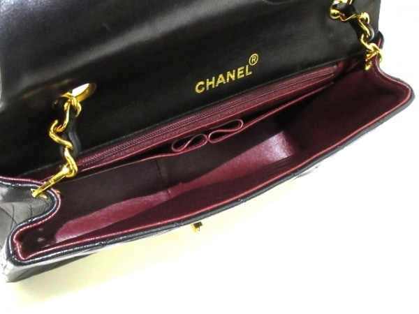 CHANEL(シャネル) ショルダーバッグ美品  シングルフラップマトラッセ 黒 ラムスキン