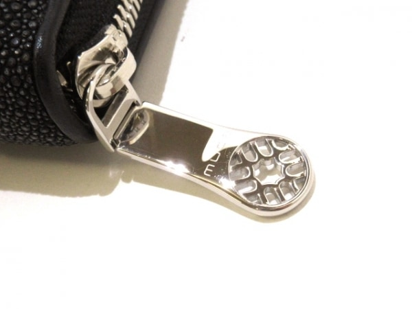muta(ムータ) 長財布美品  黒×アイボリー ラウンドファスナー ガルージャ