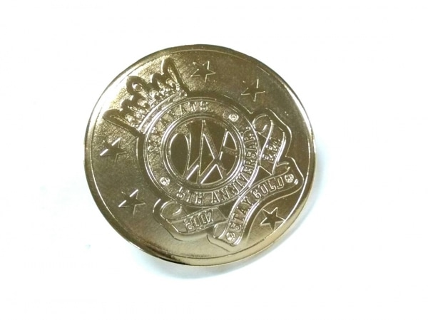 24カラッツステイゴールド ブローチ美品  金属素材 ゴールド 1