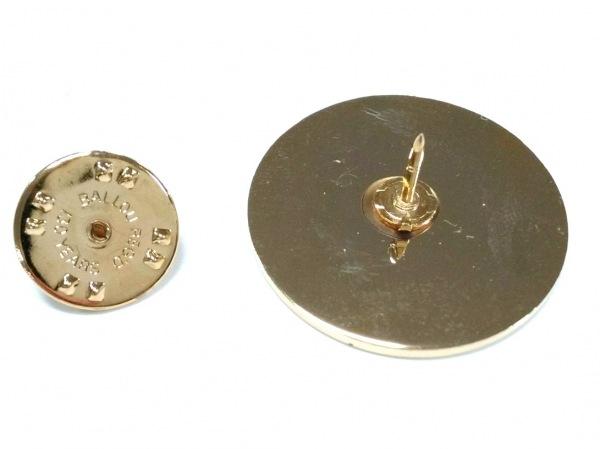 24カラッツステイゴールド ブローチ美品  金属素材 ゴールド 3