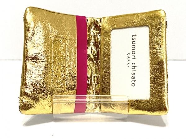 ツモリチサトキャリー カードケース美品  白×ゴールド×マルチ 3