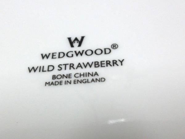 ウェッジウッド プレート新品同様  ワイルドストロベリー 白×マルチ 3