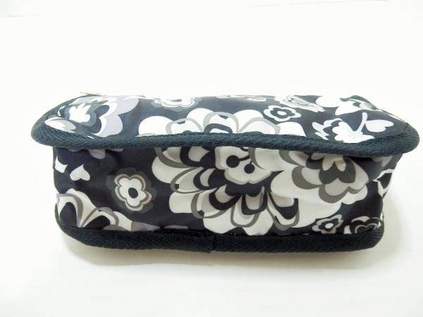 レスポートサック ポーチ美品  黒×白×マルチ 花柄 レスポナイロン 3