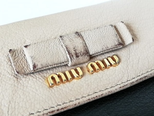 ミュウミュウ 3つ折り財布 - 5M1225 ベージュ×黒 リボン レザー 6