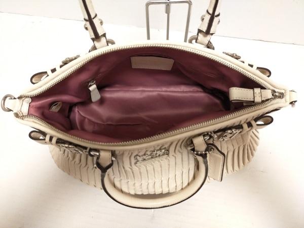 COACH(コーチ) ハンドバッグ美品  18620 アイボリー レザー 7
