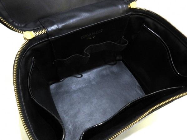 シャネル バニティバッグ - 黒 ゴールド金具 エナメル(レザー) 6