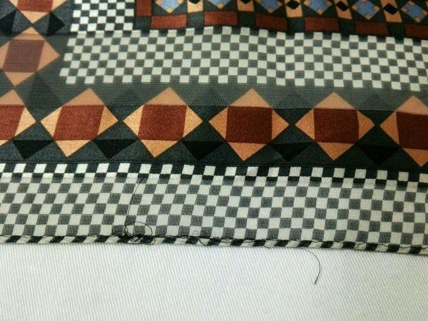 イヴサンローラン スカーフ 黒×白×ダークブラウン×マルチ 6