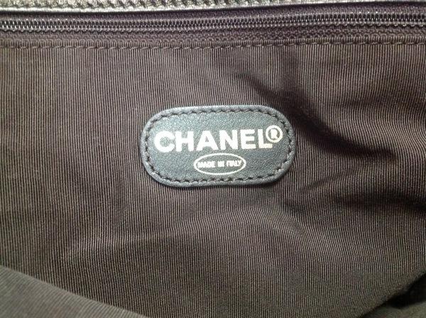 CHANEL(シャネル) ショルダーバッグ - カーキ ラムスキン 8