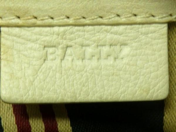 バリー ショルダーバッグ美品  白×ネイビー レザー×コットン 8