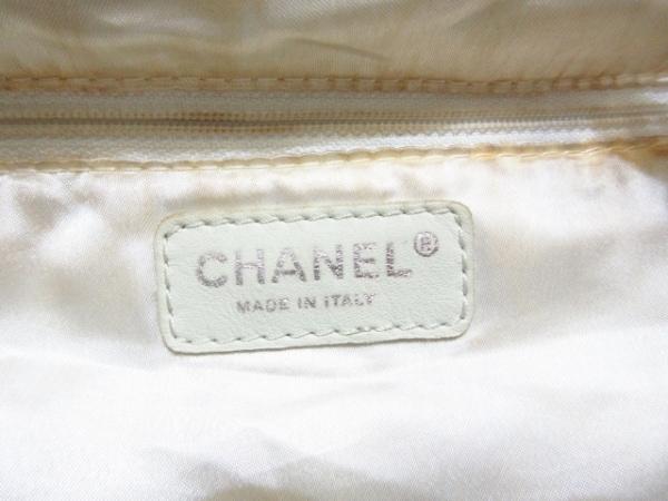 CHANEL(シャネル) トートバッグ ココカバスPM A33986 白 ラムスキン 7