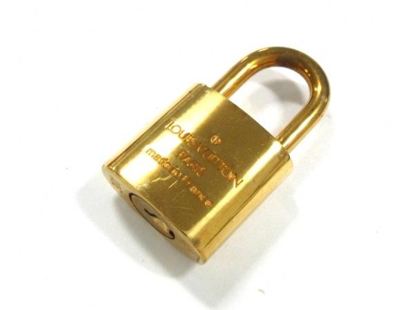 LOUIS VUITTON(ルイヴィトン) 小物 パドロック R10000 ゴールド 真鍮 2