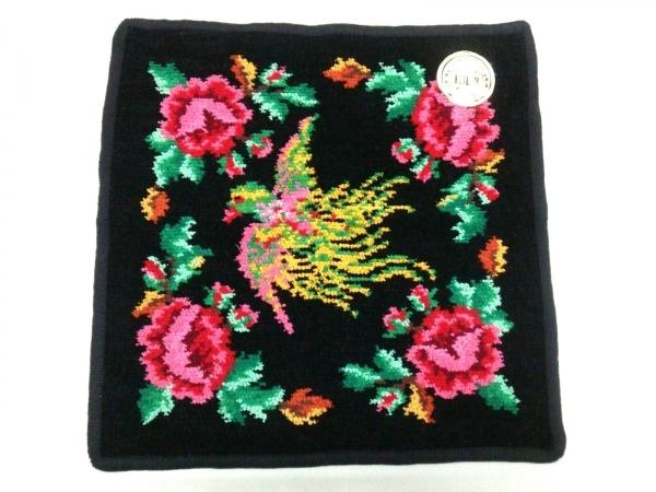 フェイラー 小物新品同様  - 黒×ピンク×マルチ ハンドタオル/花柄 1