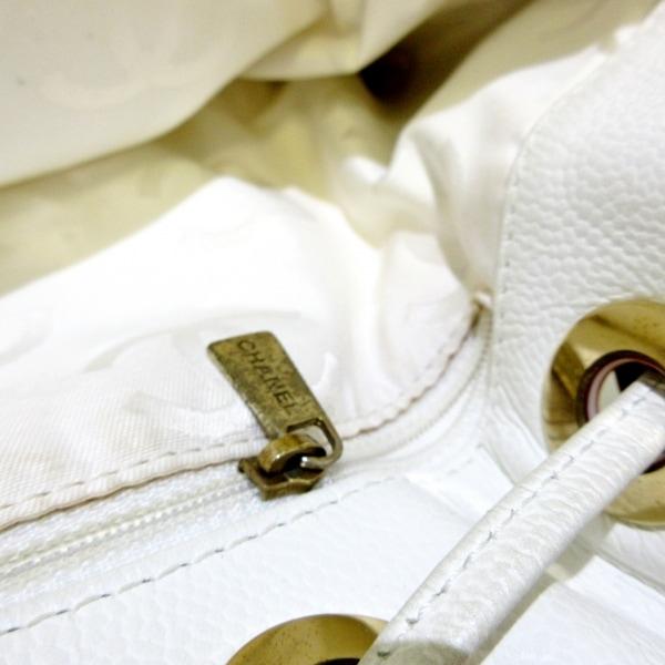 CHANEL(シャネル) トートバッグ - 白 巾着型 キャビアスキン 11
