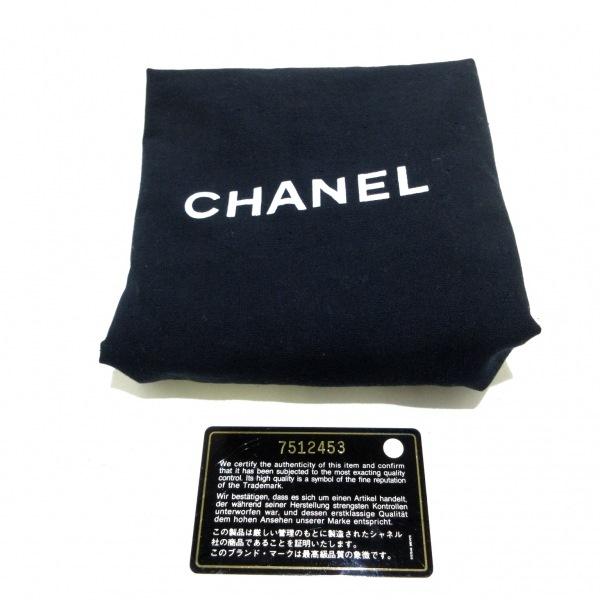 CHANEL(シャネル) トートバッグ - 白 巾着型 キャビアスキン 12
